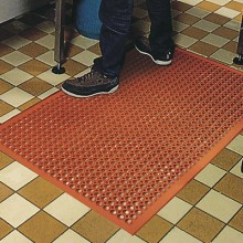 "3' x 5' x 1/2"" Competitor® Grease Proof Mat"