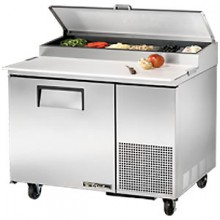 "44 1/2"" W One Door Pizza Preparation Table"