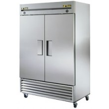 23/23 Cubic Ft Two Full Solid Door Dual Temperature Reach-In - Stainless Steel and Aluminum